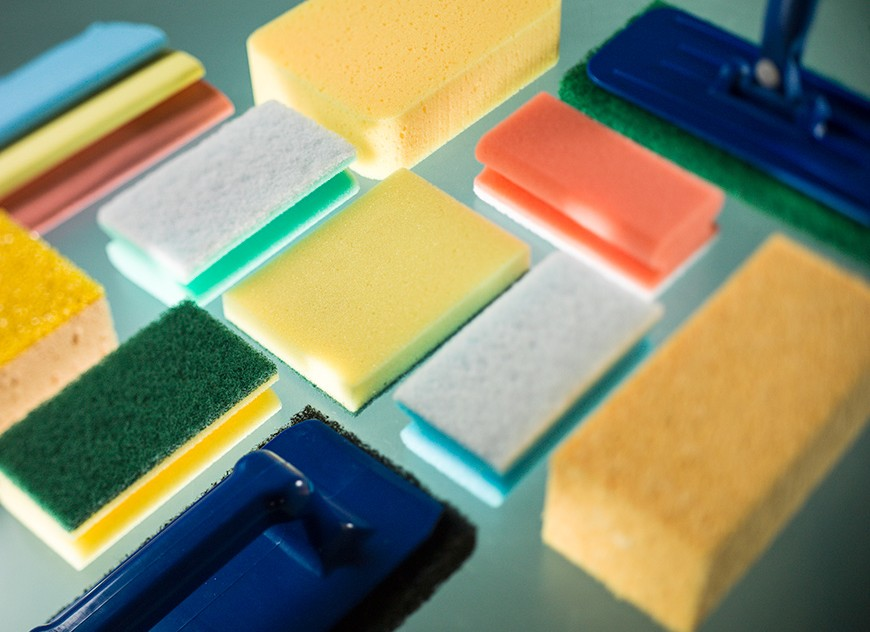 Scouring pads and sponge cloth